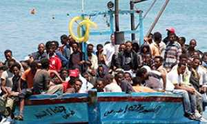 b migranti barca profughi