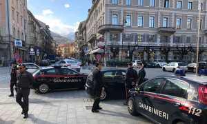 carabinieri stazione domo auto