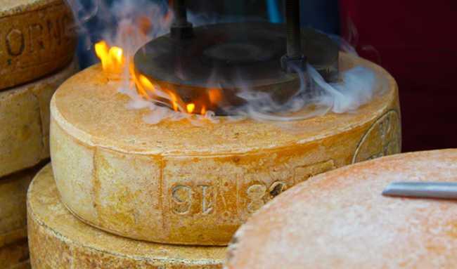 formaggio bettelmatt marchio fuoco