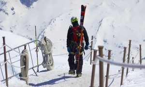sci sciatore piedi